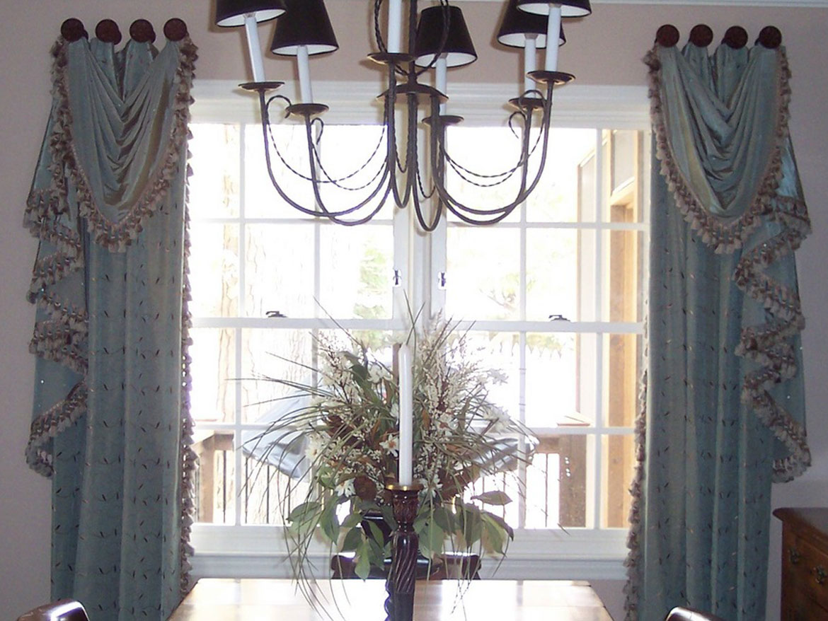 Dining room blue drapes with trim ronica 39 s custom creations for Decorative items for dining room